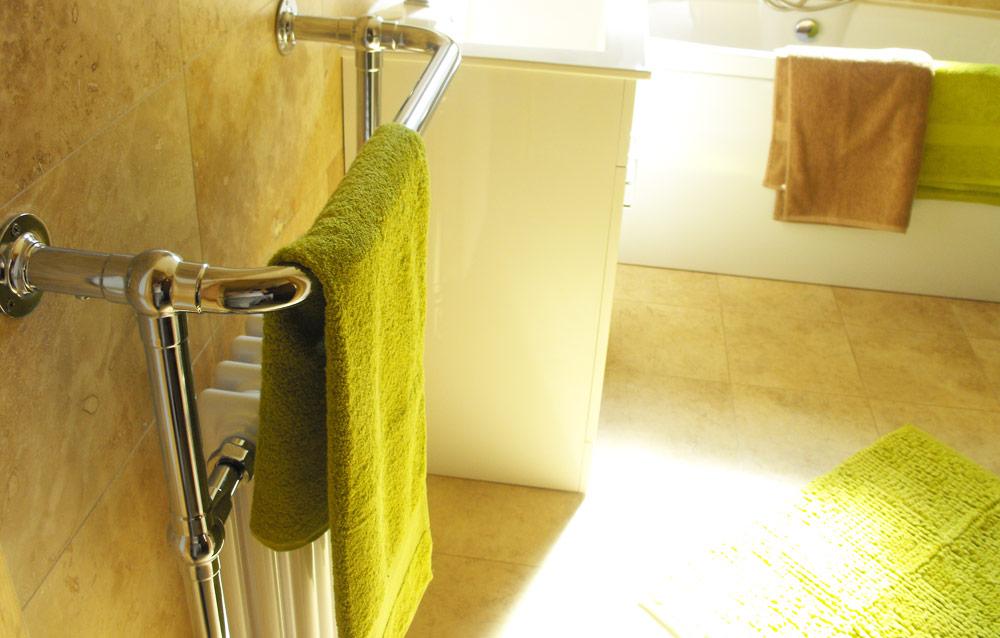 Bathroom-full-towel-rack-detail