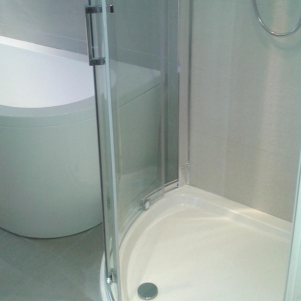 tight-bathroom-detail